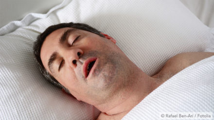 Warum schnarcht man? Ursachen für Schnarchen einfach erklärt!